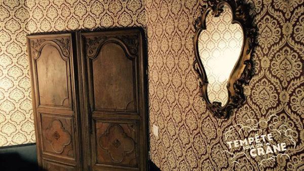 Paris - Tempête sous un crâne - Octave le vampire - room.jpg