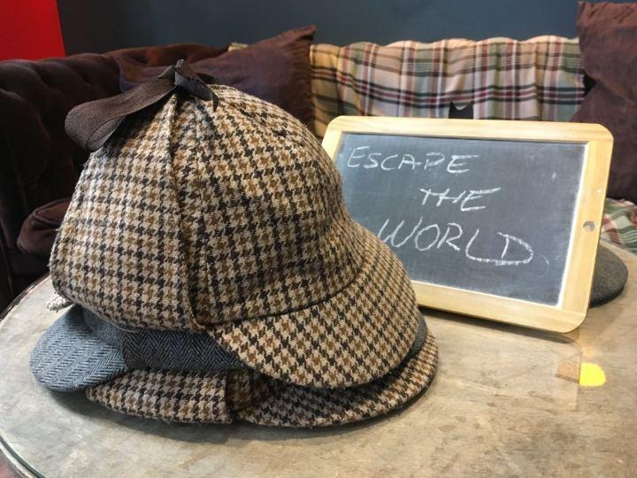 Paris - Lock Academy - hats escape the world