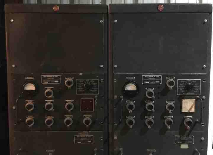 Ottawa - Escape Manor - Diefenbunker - Radio - light